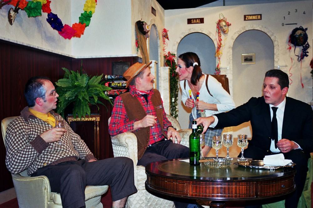 2006_Drei Männer im Schnee 25